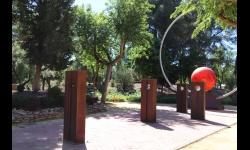 Paseo del sistema solar en el parque de Julián Gómez-Cambronero