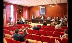 Votación unánime de los tres grupos políticos municipales
