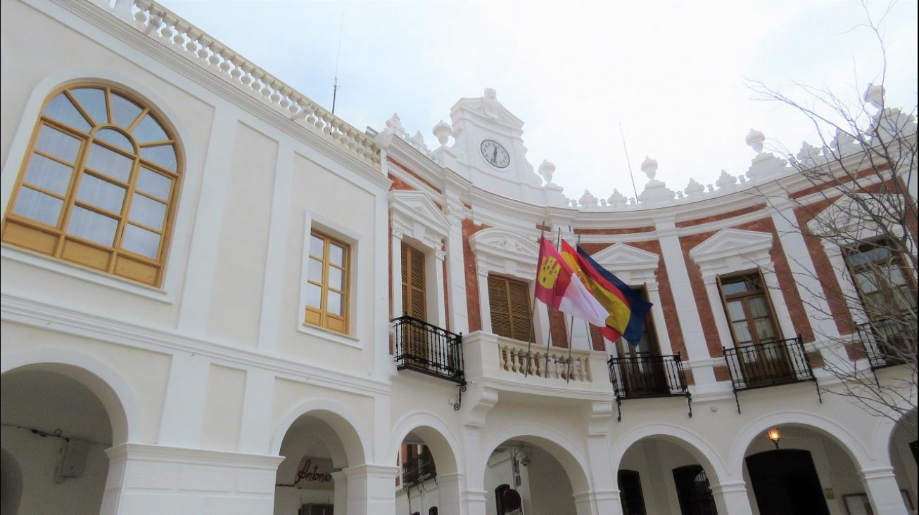 Fachada Ayuntamiento de Manzanares