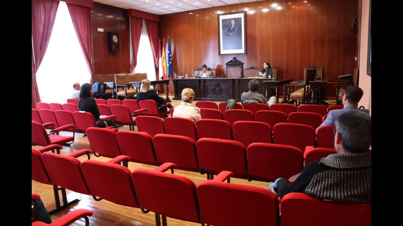 Reunión del Ayuntamiento con el pequeño comercio de Manzanares