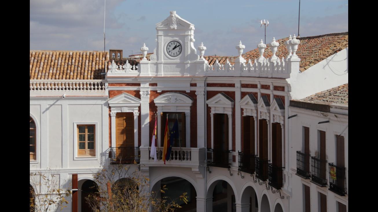 Exterior del Ayuntamiento de Manzanares