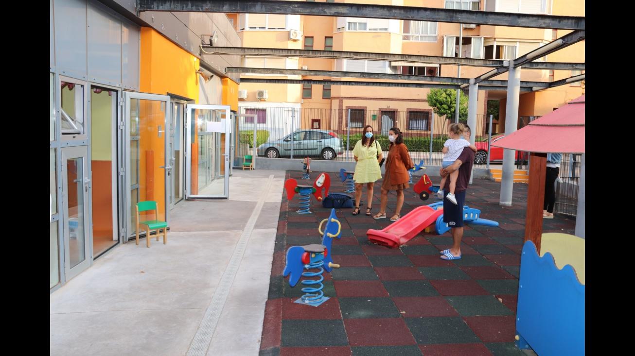 Zúñiga y Ramírez comprueban el acceso escalonado de las familias a la Escuela Infantil
