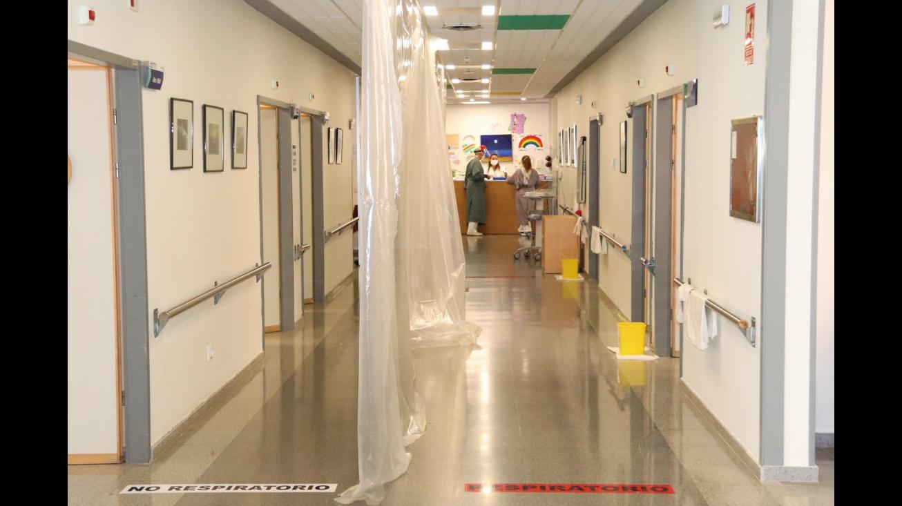 Pasillo de urgencias del hospital de Manzanares