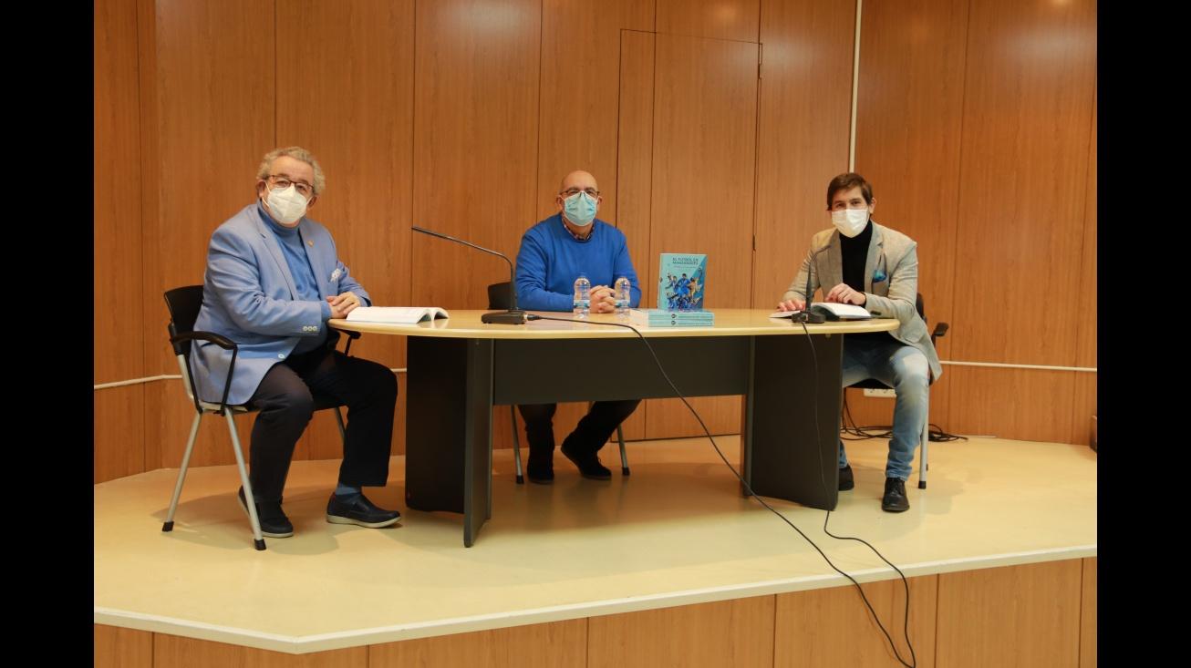 Julio Jareño estuvo acompañado por los concejales de Cultura y de Deportes
