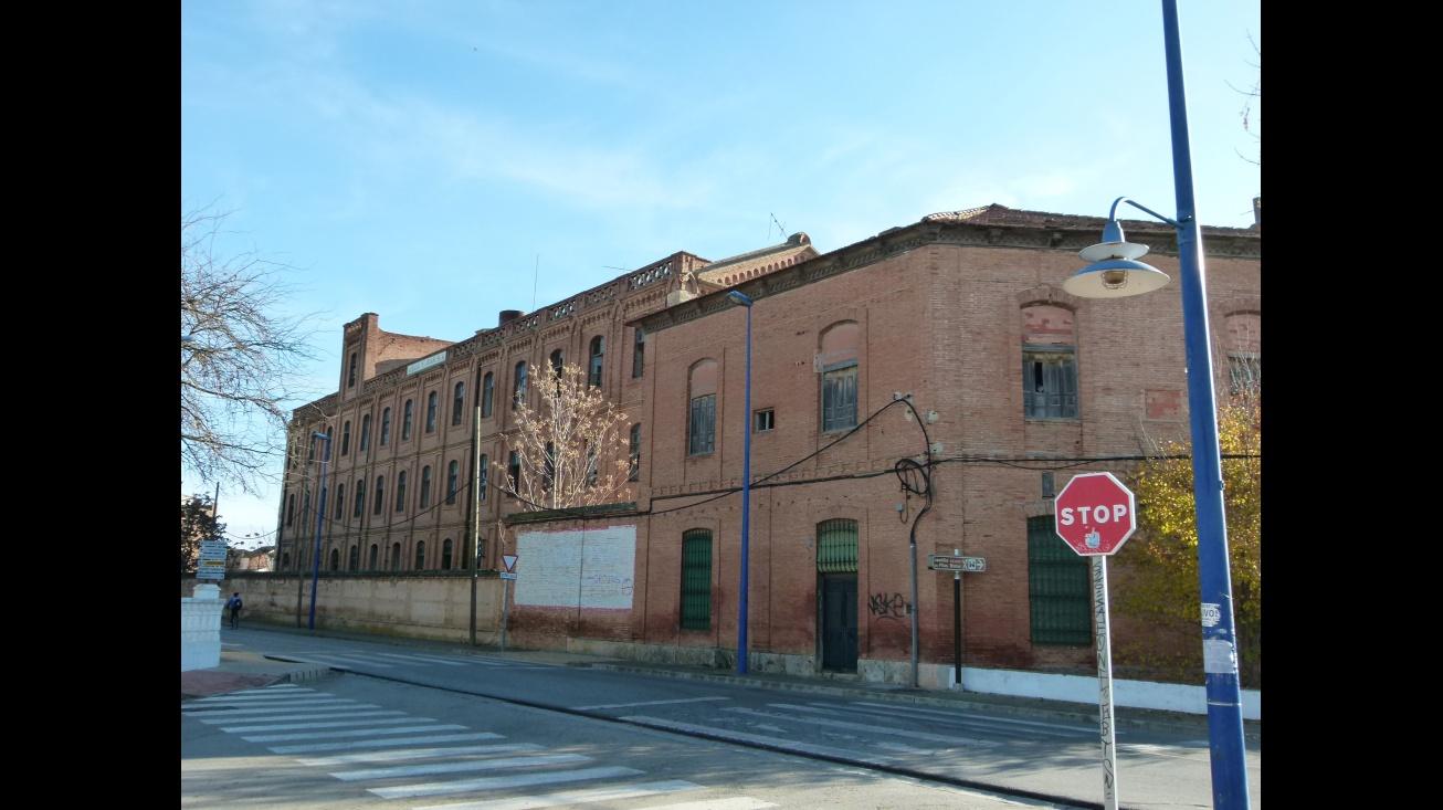 Exterior de la fábrica de harinas