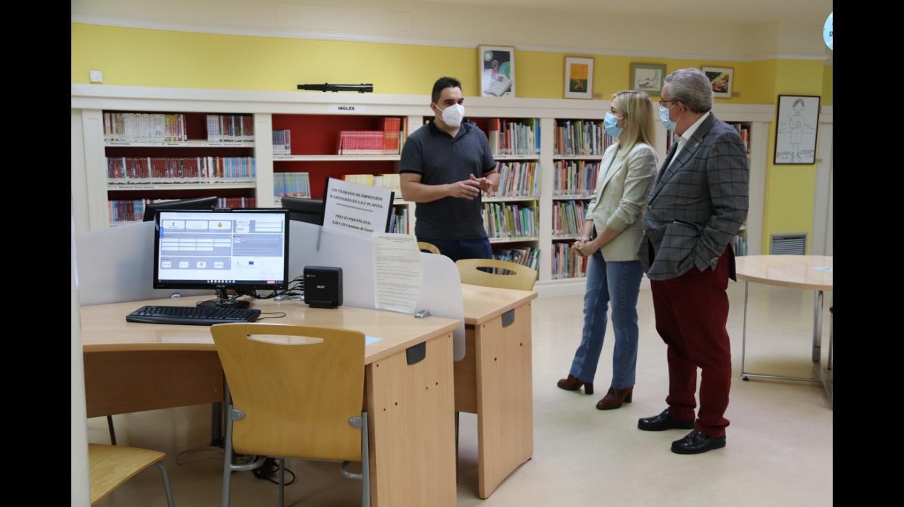 Punto de Inclusión Digital en la biblioteca