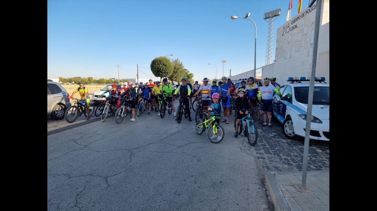 Participantes a la salida de la ruta